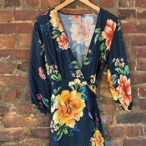 Beautiful Farm Rio wrap dress!! Perfect for fall!!